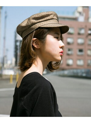 骨格ストレートタイプに似合う帽子のお手本コーデ