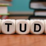 「理論」と「実践」で身につける!パーソナルカラー資格を取得するための勉強法とは?