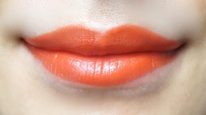 ヴィセアヴァンリップスティック「009 TOMBOY ヴィヴィッドなブライトオレンジ」